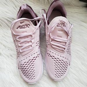 Womens Nike Air 270
